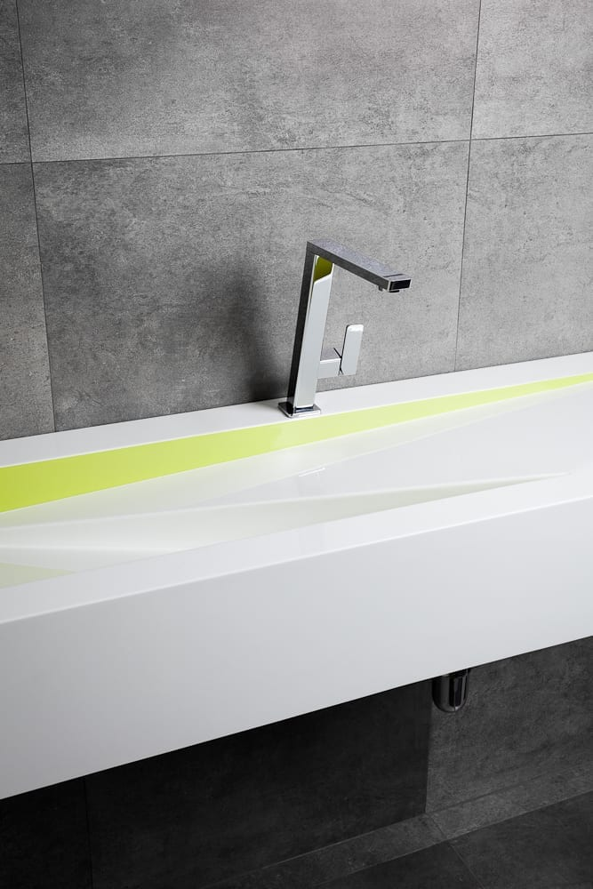 Exceptional wash basins to measure