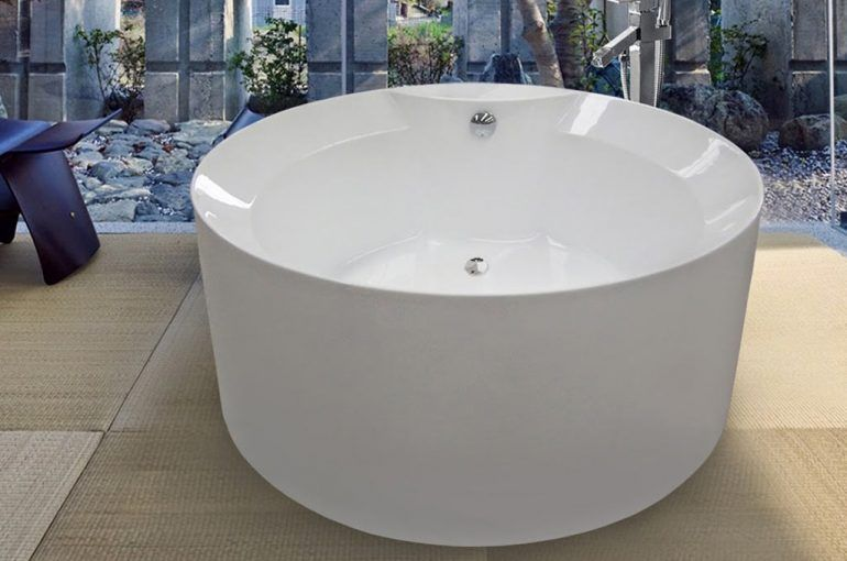 Freestanding and built-in bathtubs; Solid Surface
