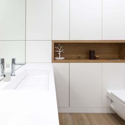 washbasin-with-linear-drain-white-construction